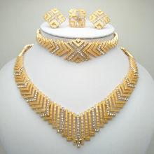 35d37d262314 Venta al por mayor Moda Africana perlas joyería conjunto Nigeria joyas de  oro de Dubai India Zirconia cúbico nupcial conjuntos d.