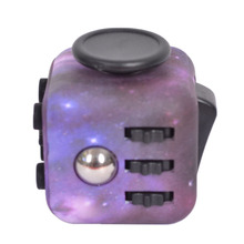 S tarry Skyดาวพรางอยู่ไม่สุขCube EDCปั่นของเล่นมือปั่นต่อต้านความเครียดโต๊ะAntiStress Ventของเล่น