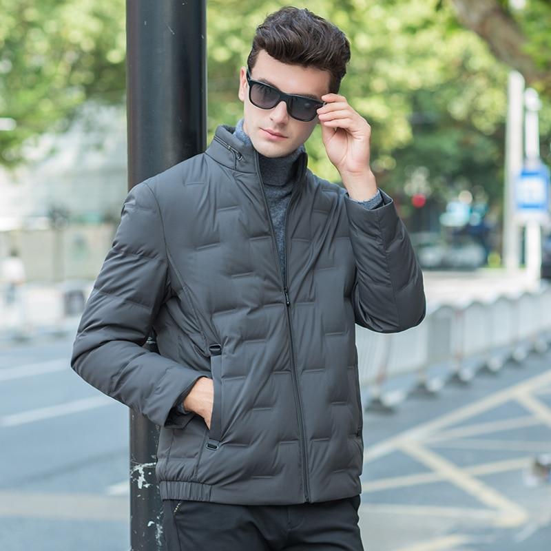 2a2a7790de02 Degli Inverno 2018 Mens Piuma verde Impermeabile Streetwear Giacca Con Di  Uomo Imbottiture Cappuccio Dell'esercito Nuovo ...