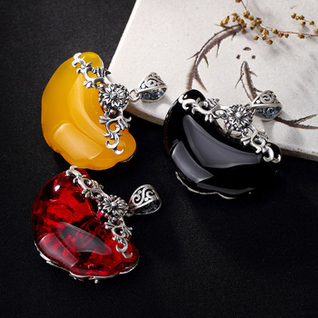 2018 New S990 fine silver restoring ancient ways in front ruyi chalcedony pomegranate red sweater chain pendant ms long