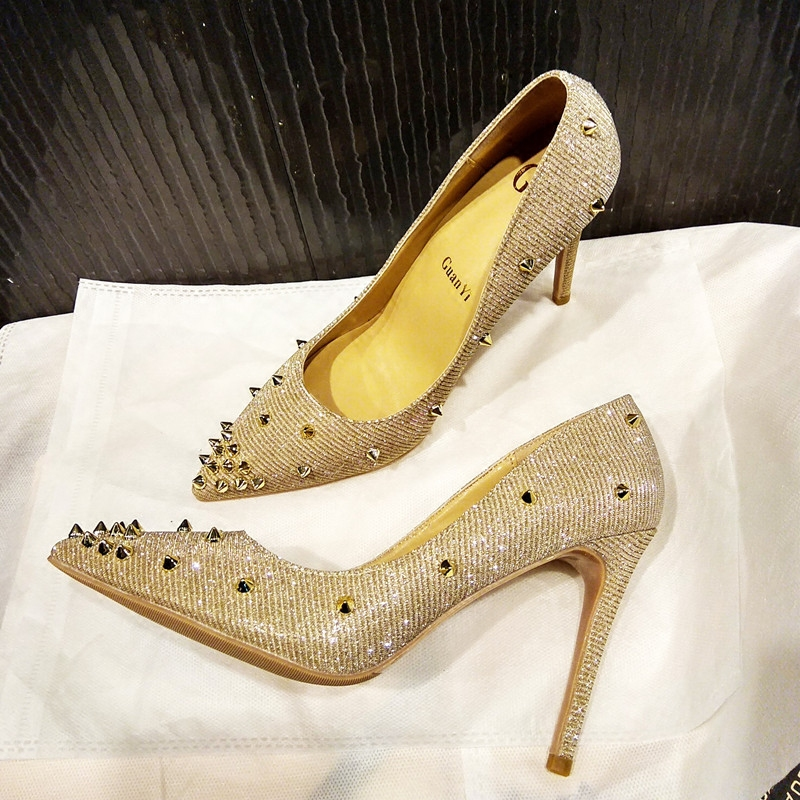 2019 Hot Selling Rivets Studded Pointed Toe High Heels Gold Thin Heels Pumps Sexy Stiletto Heels Woman Fashion Dress Heels White