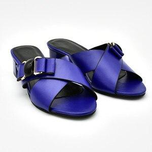 Image 2 - חדש הגעה איטלקי נשים חתונת משאבות מעוטר ריינסטון להחליק על נעלי לנשים ניגרי נעלי יוקרה סנדלי נשים