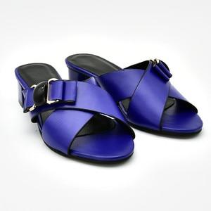Image 2 - Nieuwe Collectie Italiaanse Vrouwen Bruiloft Pompen Versierd Met Strass Slip Op Schoenen Voor Vrouwen Nigeriaanse Luxe Sandalen Vrouwen