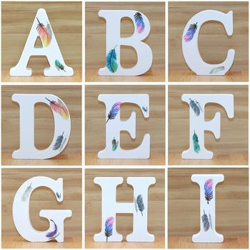1pc 10cm białe drewniane litery dekoracyjne alfabet słowo list nazwa projekt rzemiosło artystyczne stały kształt piór ślub domu DIY tanie i dobre opinie Drewna Air brushing Density plate Feather Tabletop Creative style Semi-manual and semi-mechanical European style Coloured drawing