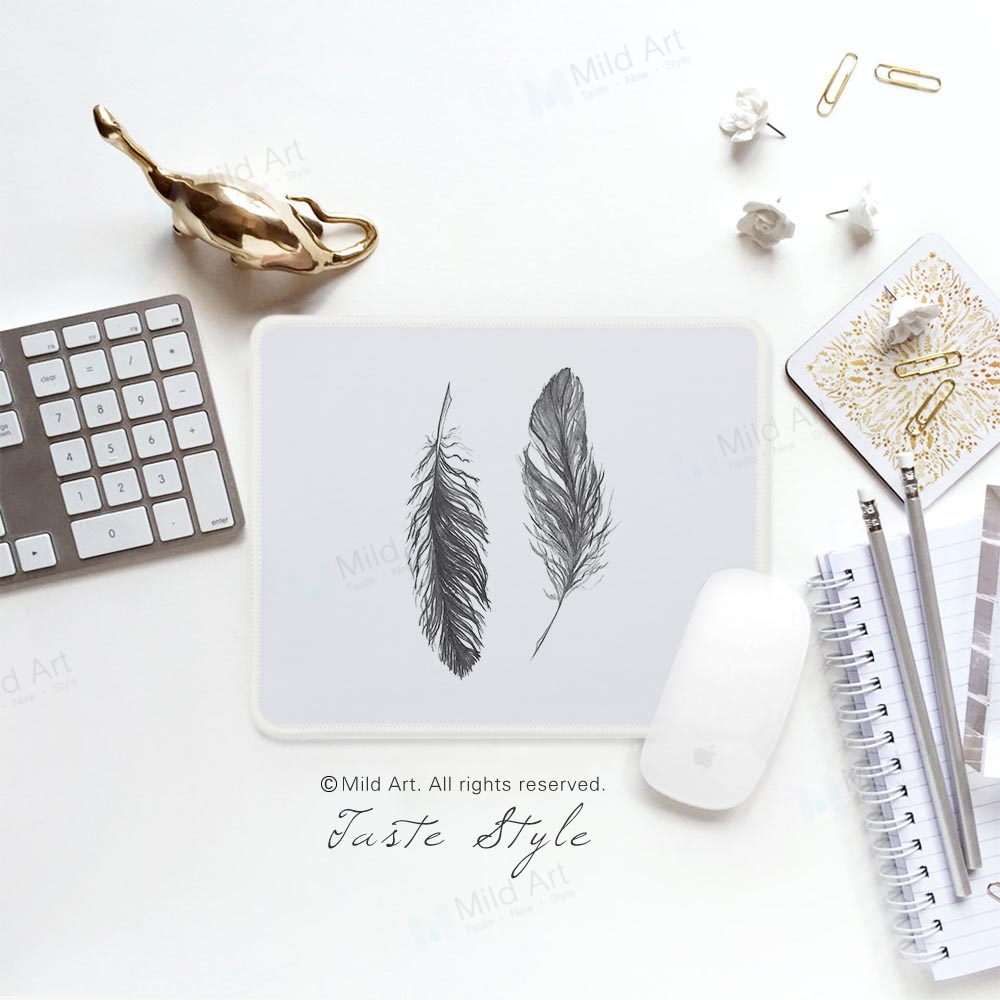 Nordic Style Black and White Feather Print Minimal Personalized Elegant Girls Gifts PC Desk Laptop Gaming Computer Mouse Pad Mat