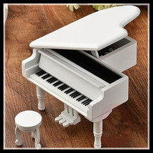 ElimElim Home Decoration Accessories Modern 18 Tones Edition Piano Wooden Music Box Christmas Kid Birthday Gift