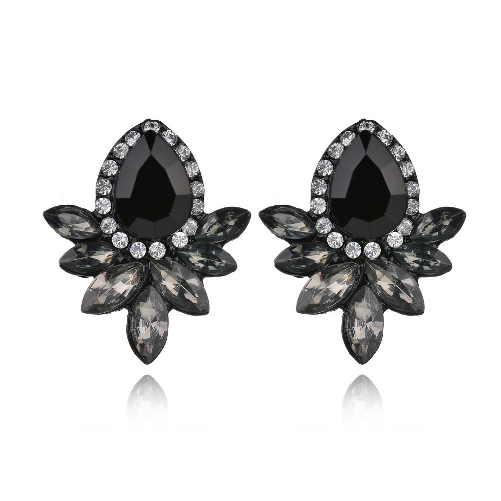 water drop crystal angel wings pattern design Fashion noble Black Crystal OL temperament Stud Earring Women