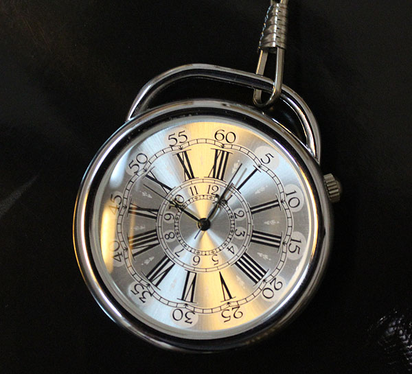 Vintage Mens/Ladies Sliver Case Elegant Quartz Pocket Watch