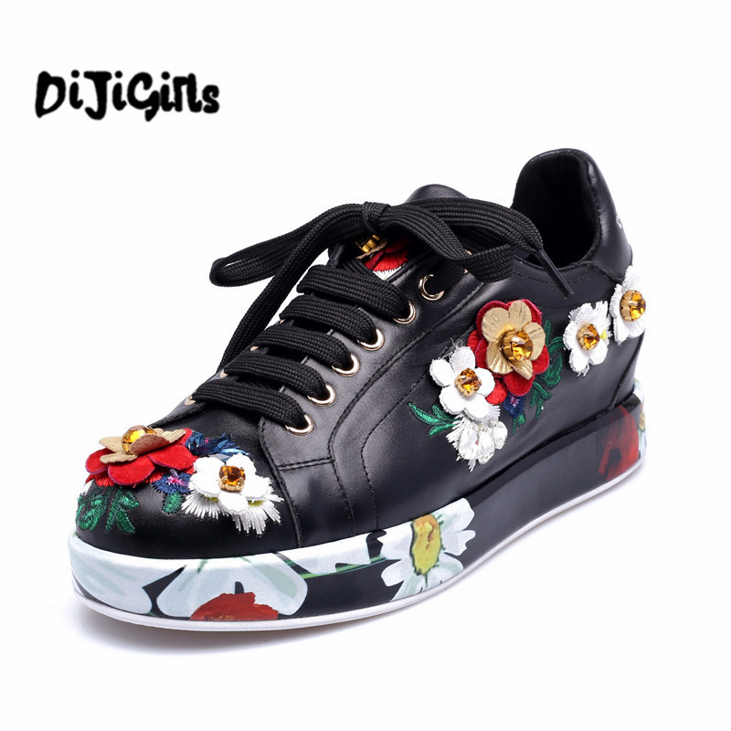 2018 Spring Autumn Women Beautiful Embroidery Flower Shoes Waterproof Platform Flats Lace Up Leisure Shoe Female Floral Creepers fashion women s gorgeous colorful embroidery leisure shoes spring and autumn walks tourism national style flats smyxhx 10136