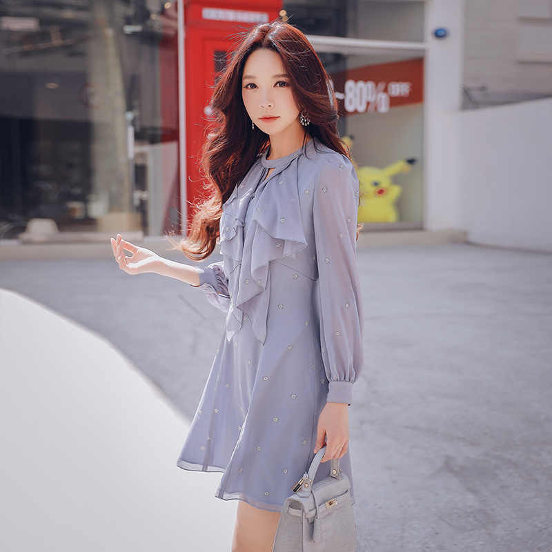 c14c1def87d1 ... Dabuwawa Autumn Elegant Dress 2018 New Women Casual Ruffles Puff Sleeve  Chiffon Dress ...