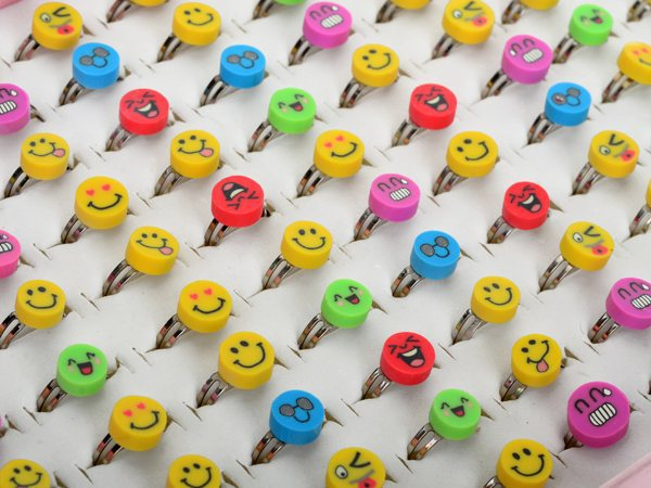 Wholesale 30pcs/lots Kids/Children Face Polymer Clay Rings Smile/Expression Kids Polymer Caly Rings Mix Colors For Gift