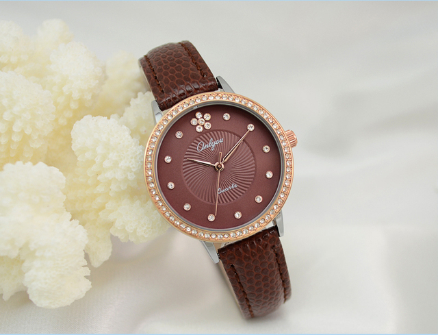 Onlyou Brand Women Watches White Leather Bracelet Wrist Watch Fashion Casual Ladies Gold Rhinestones Dress Watch Girl Gift 81039