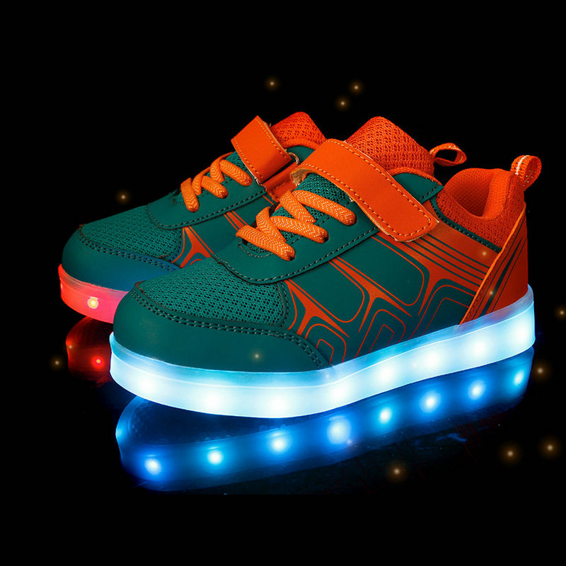 Kids Sneakers with luminous sole 2018 New Spring Breathable Sports Shoes Boys Girls USB Charger Led Light Shoes for children цена в Москве и Питере