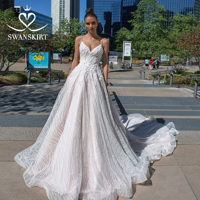 Boho Appliques V neck Wedding Dress 2020 Swanskirt Delicate flowers A Line Princess Court Train Bride Gown Vestido de Noiva F114