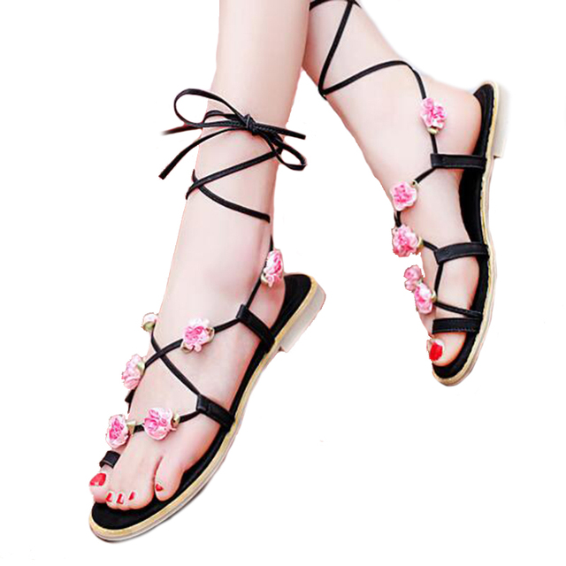 2017 Cute Furry Colorful Ball Women Sandals Flat Lace Up Flip Flops Beach Gladiator Sandal Summer Woman Shoes For Holiday WSS527