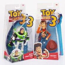 2 unids/lote 18cm juguete figuras de acción Woody Buzz Lightyear con alas vaquero modelo de Robot Juguetes