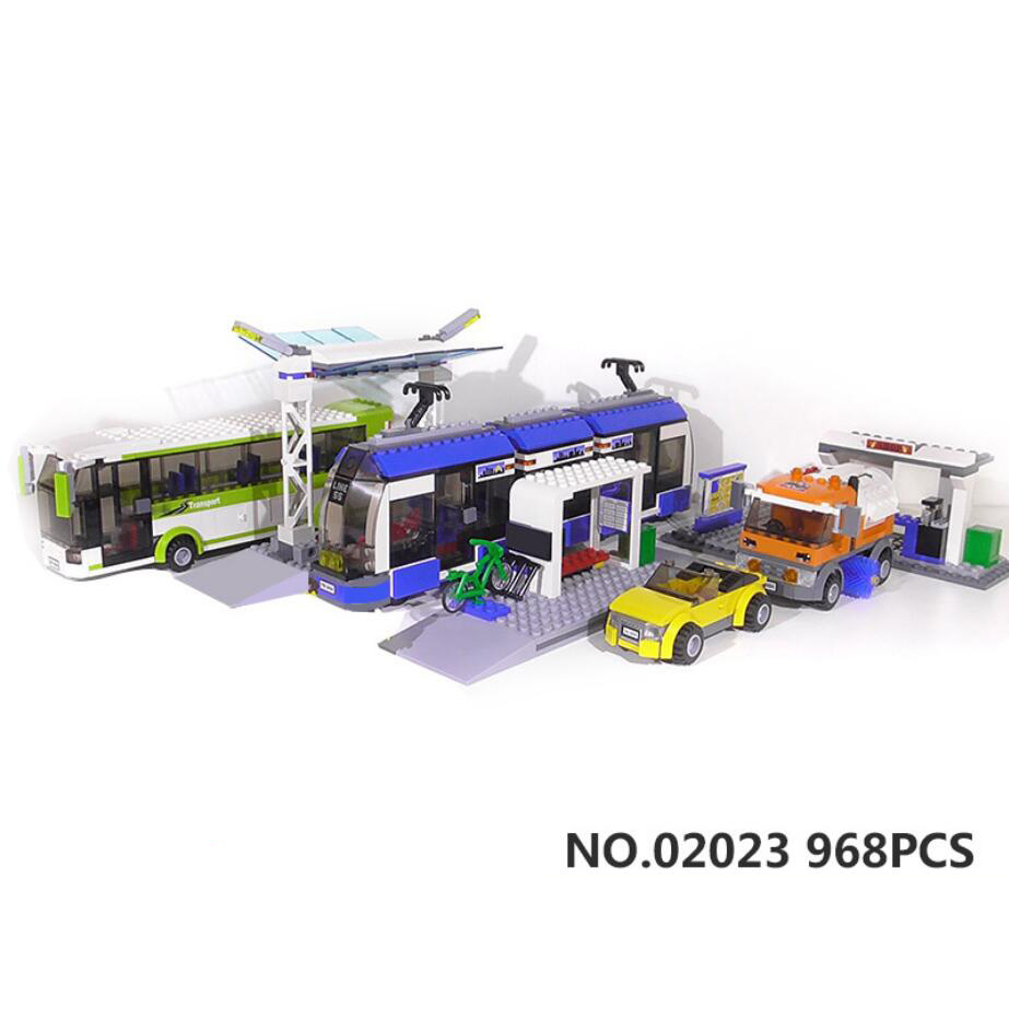 Classic city vehicle Public transport unit building block driver Passenger figures Fuel tank car bus metro train brick 8404 toys предупреждающий знак public transport facilities 60cm