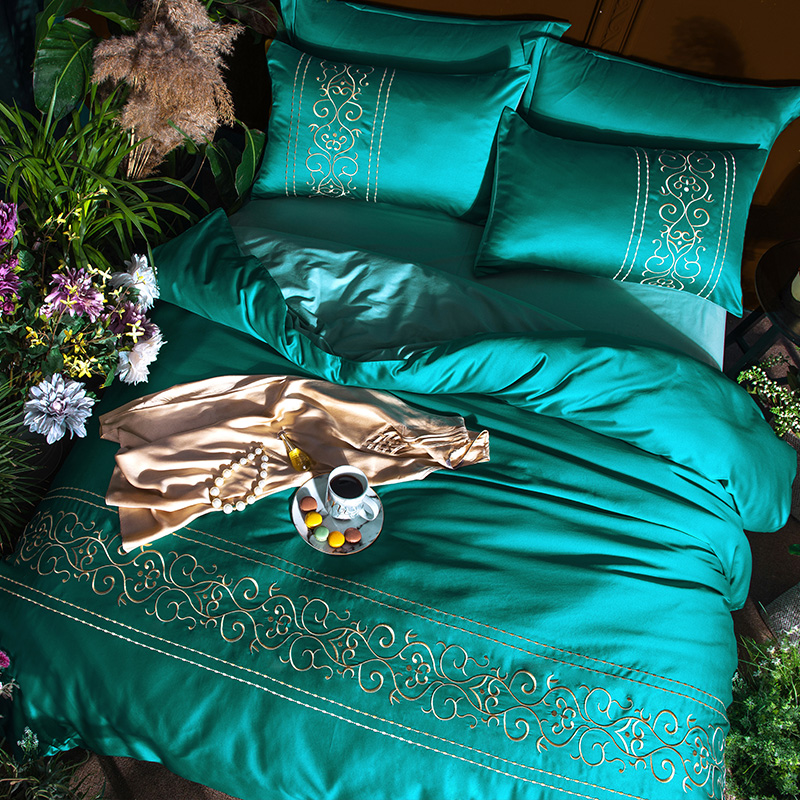 (3)  White silver cotton imitate silk luxurious Bedding Set queen king measurement mattress set Bedsheets linen Europe embroidery Quilt cowl set HTB154xrpkKWBuNjy1zjq6AOypXaQ