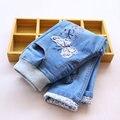 2016 Primavera Borboleta Dos Desenhos Animados Applique Calça Jeans Meninas Jeans Cintura Elástica Crianças Calças Crianças Calças Roupas Infantis Roupas