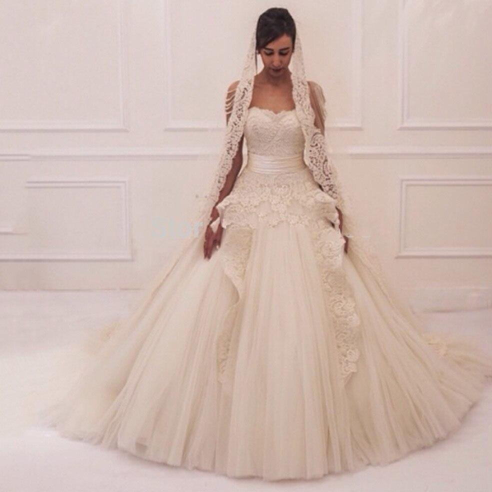 2016 Elegant Sweetheart Appliqued Lace Sleeveless Shoulder