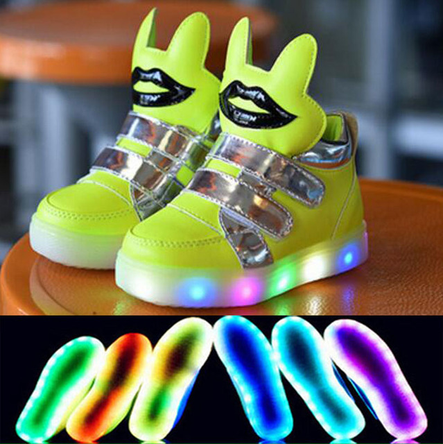 2017 fashion LED light kids boys girls shoes Cool fashion hot sales cute baby sneakers high quality baby boots free shipping