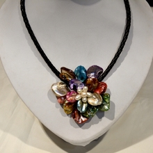 2017 New Arrival Collier Collares Necklaces & Pendants Mop Jewelry Natural Multicolor Mother Of Shell Flower Necklace For Women