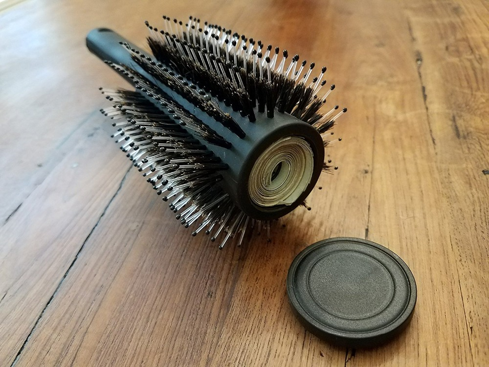 geekoplanet.com - Hair Brush Safe