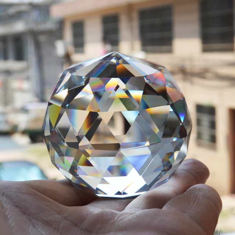 6CM Quartz Crystal Sphere Glass Faceted Ball Natural Stone Mineral Feng Shui Kristal Lucky Ball Home Decor kristallen bol