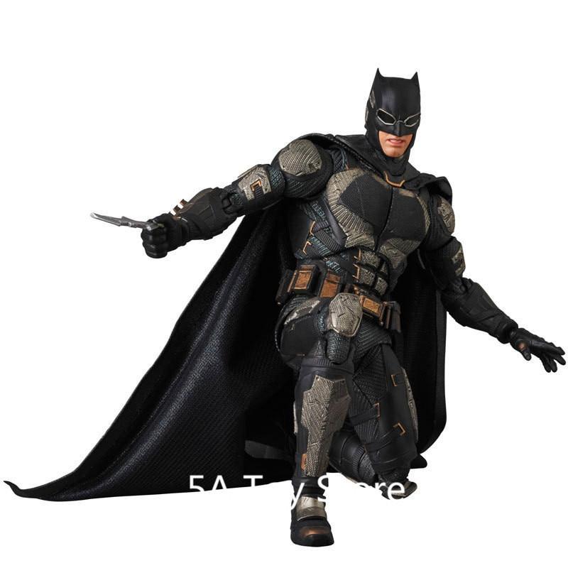 Mafex 056 DC Comics Justice League Batman PVC Action Figure Box Packed