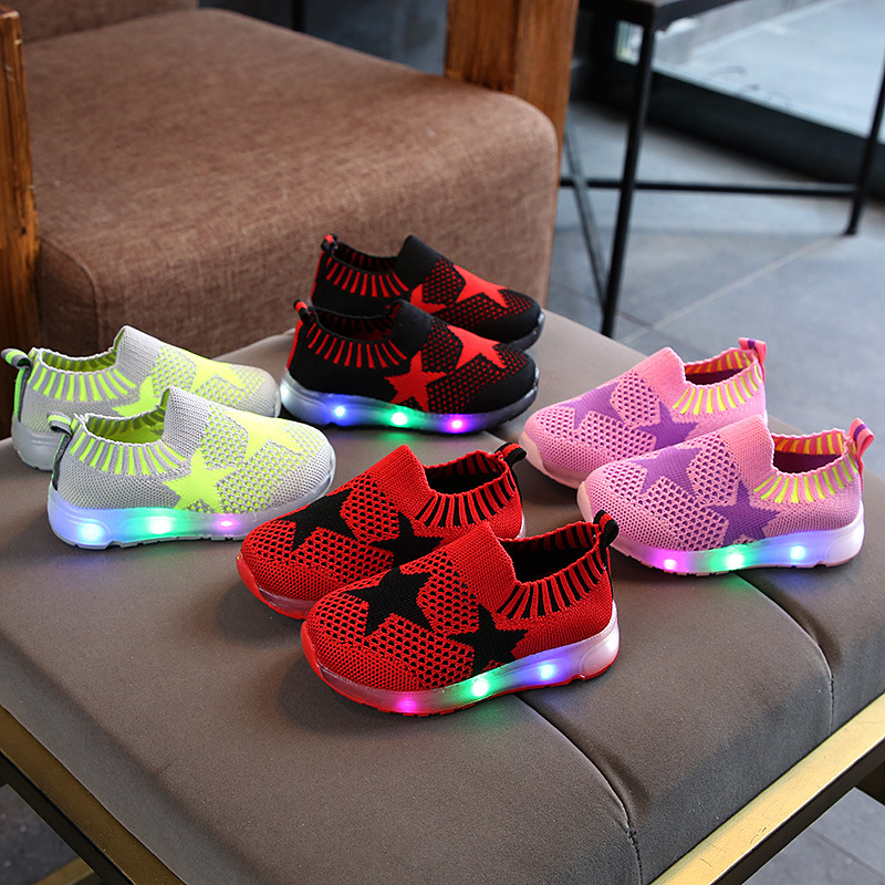 Beautiful Fantastic LED children shoes European Slip on Stars baby sneakers sports running boys girls sneakers infant tennis