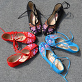 Chinese folk style floral embroidered cotton fabric shoe with traditional butterfly