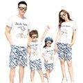 Nuevo 2017 Verano de la Familia de Trajes A Juego deportes madre padre hija hijo fijan la camiseta + Pantalones de Camuflaje ropa de Los Niños