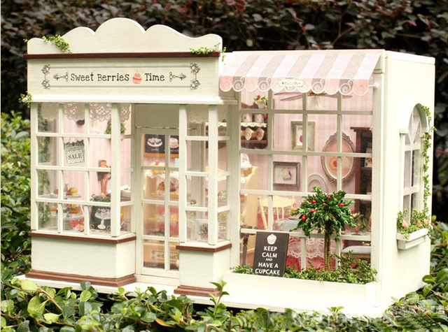 Free Shipping Big Handmade DIY 3D Wooden Dollhouse Sweet Berries Time Cake Shop With Finished Cake+Music+Light