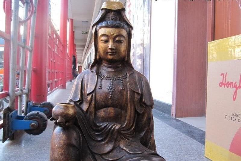 China Folk Fane classical Bronze Sit Kwan-Yin Bodhisattva With Lovely Pig StatueChina Folk Fane classical Bronze Sit Kwan-Yin Bodhisattva With Lovely Pig Statue