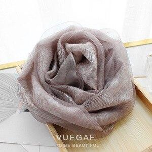 Image 3 - Foulard Foulard en laine à pois pour femme