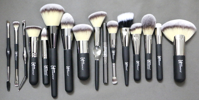 Brand Professional Makeup Brushes Ulta it cosmetics brush Heavenly Luxe foundation powder contour make up kit