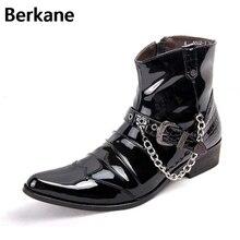 Мужские ботинки из лакированной кожи с острым носком и цепочкой; мужские блестящие туфли; модные мужские мотоциклетные ботинки с металлической пряжкой; zapatillas hombre; Цвет Черный