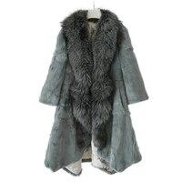 巨大なシルバーフォックス毛皮の襟高貴でエレガントな自然レックスウサギの毛皮ジャケット女