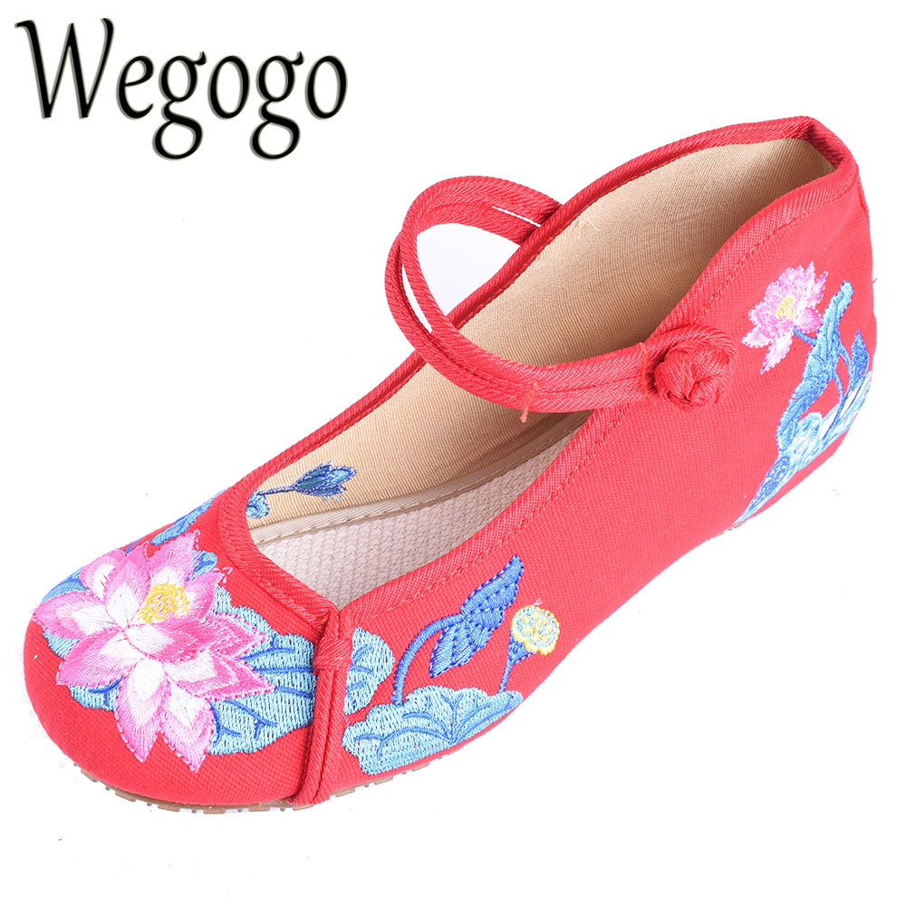 Wegogo Women Flats Shoes Chinese Lotus Embroidery Canvas Shoes Casual Mary Jane Shoes Woman Ballet Dance Single Shoes peacock embroidery women shoes old peking mary jane flat heel denim flats soft sole women dance casual shoes height increase