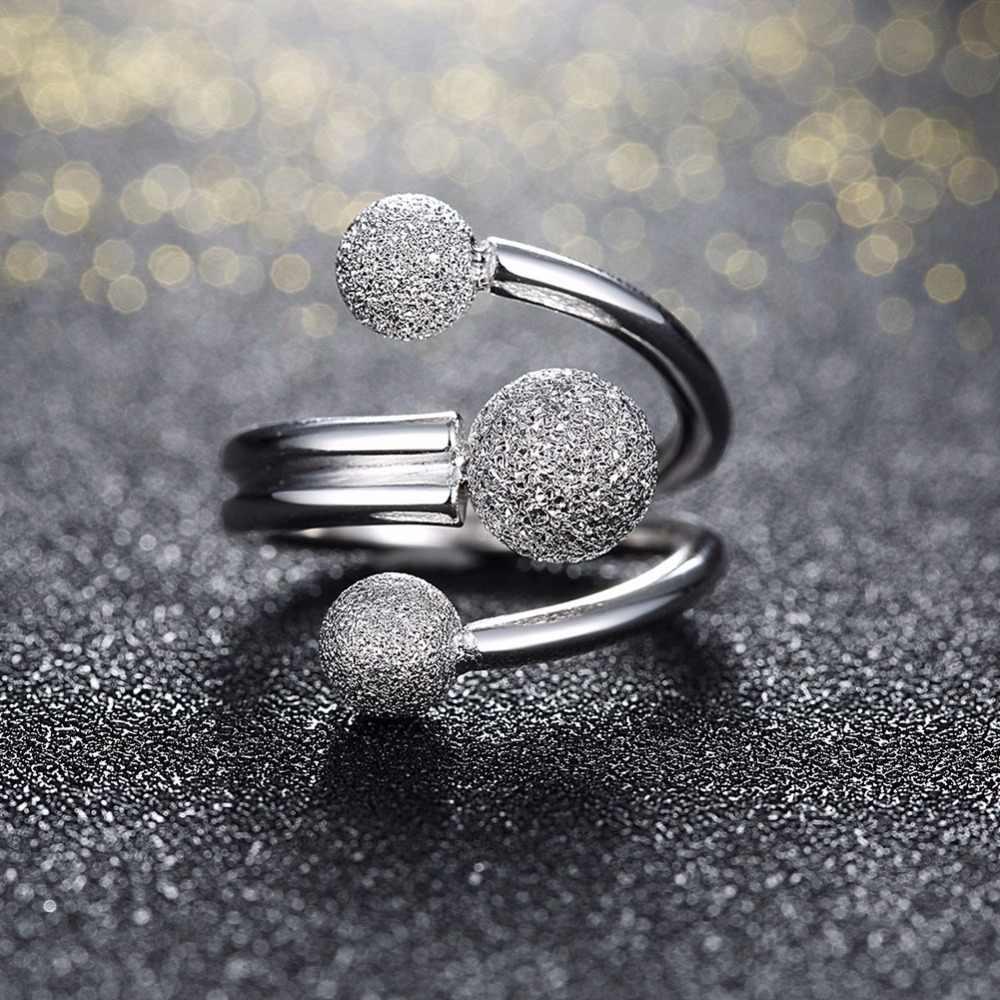 รอบออกแบบลูกบอลปรับแหวนสำหรับสตรี 925 เงินสเตอร์ลิงเครื่องประดับของขวัญไอเดียสำหรับแม่ (JewelOra RI102206)