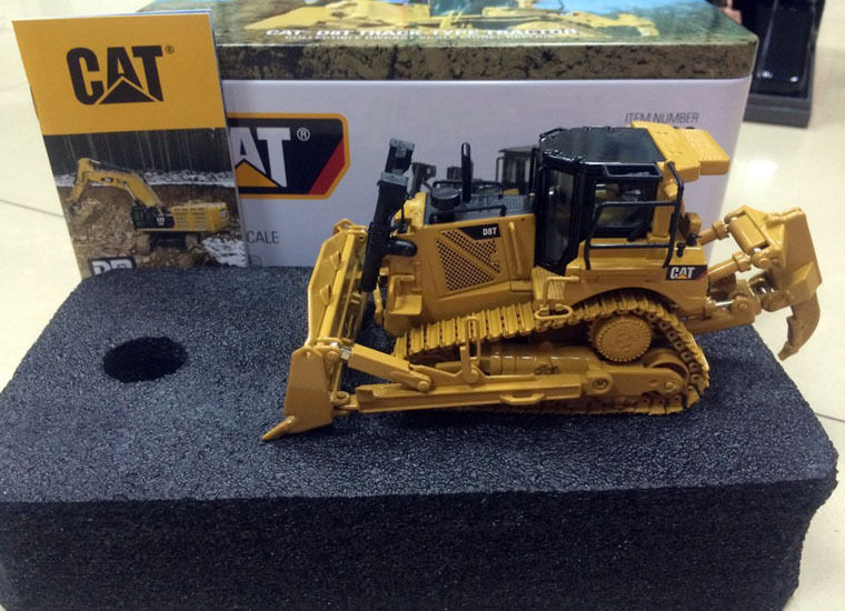 Cat D8t Track-type Tractor Dm Model New Color Box 1/50 Scale Diecast #85299 To Produce An Effect Toward Clear Vision