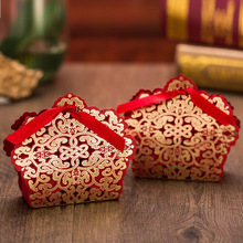 50pcs/lot Luxury Laser Cut Wedding Favor Box Hollow Lace Ribbon Candy Boxes Flower White/Gold/Red Sweets Holder Party Supplies