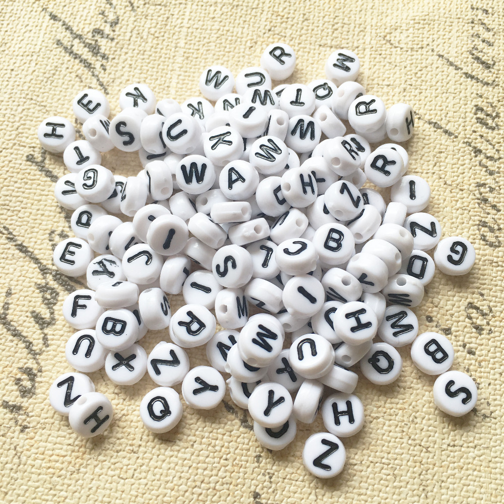 Free Shpping 3600 pcs 4 7MM Acrylic Flat Round Shape A Z Letters Beads Jewelry Acrylic
