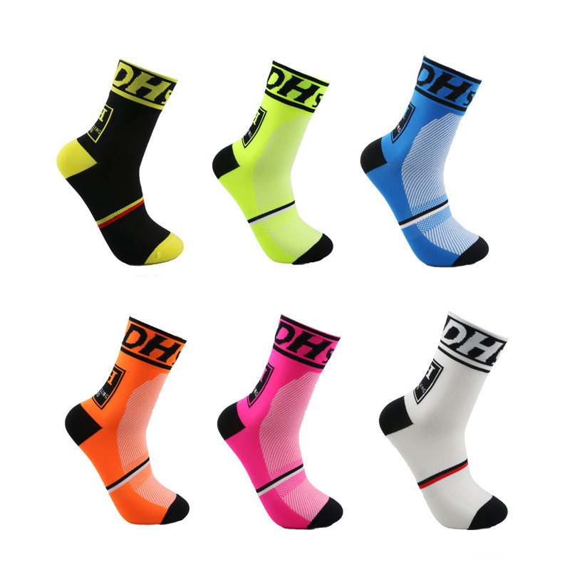 High quality Professional brand Cycling sport socks Protect feet breathable wicking socks cycling socks Bicycles Socks funny sentence kinitted crew socks