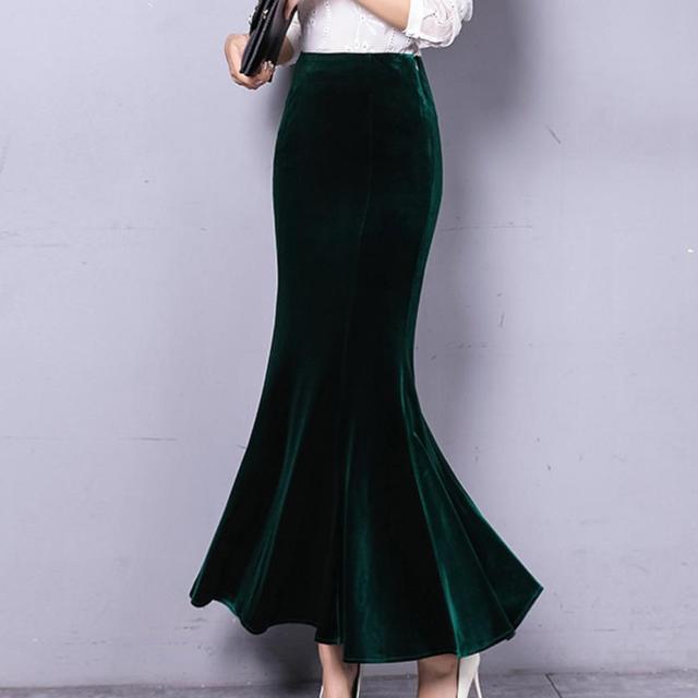 1e017eda677c1 Autumn Winter Warm Black Maxi Skirt Women Vintage Velvet Long Mermaid Skirt  Plus Size Elegant Velour trumpet Skirt