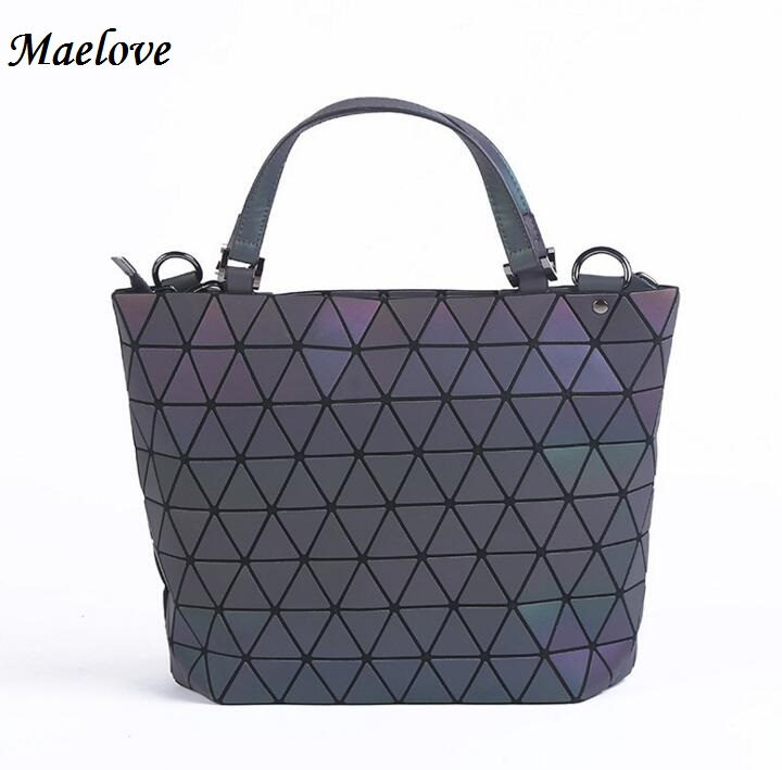 PROMOTION Luminous bag Women Geometry Diamond Tote Quilted Shoulder Bags Laser Plain Folding Handbags Free Shipping hologram bag 2018 new bao bag women luminous sac briefcase diamond tote geometry quilted shoulder bags laser plain folding handbags bolso