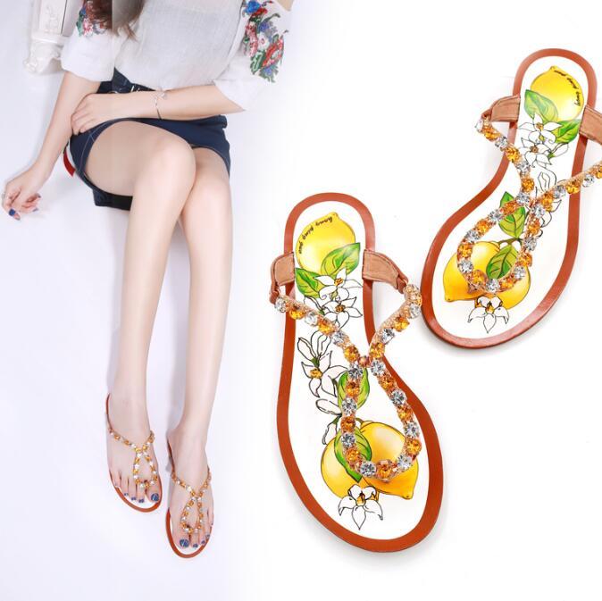 Carpaton/Летняя модная обувь на плоской подошве; женские шлепанцы с украшением в виде кристаллов; Вьетнамки с принтом фруктов; женская пляжная о
