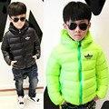 2016 de invierno nuevos niños Coreanos chicos chaqueta párrafo corto virgen grande de color caramelo de algodón gruesa abajo chaqueta