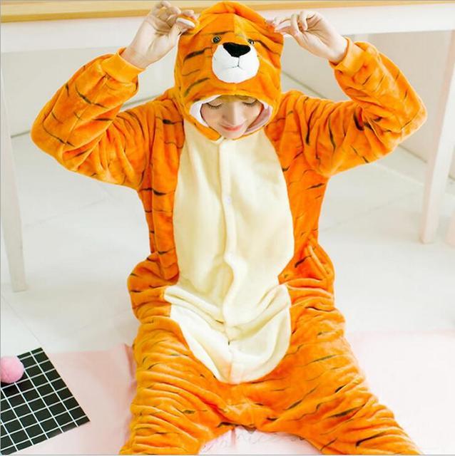 0db6096f783bd Adulte Animal Mignon Pyjamas Alaska tigre Capuche Animaux Tigre Onesie Pyjama  Pyjamas Unisexe Flanelle Nuit