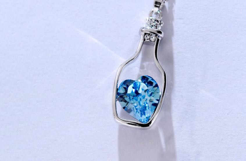Newes Women Ladies Fashion Necklace Popular Crystal Necklace Love Drift Bottles Blue Heart Crystal Pendant Necklace